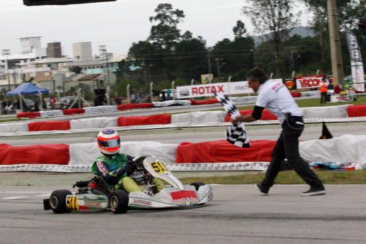Rubens Barichello conquistou o Sul-Americano de Kart Rotax 2015. (Foto: Mario Ferreira)