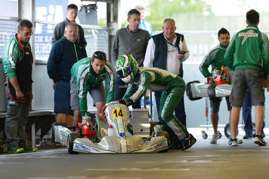 """Sem sistemas dos KF, novos motores trarão de volta as tradicionais """"empurradas"""" para dar partida nos karts. (Foto: CIK/KSP)"""